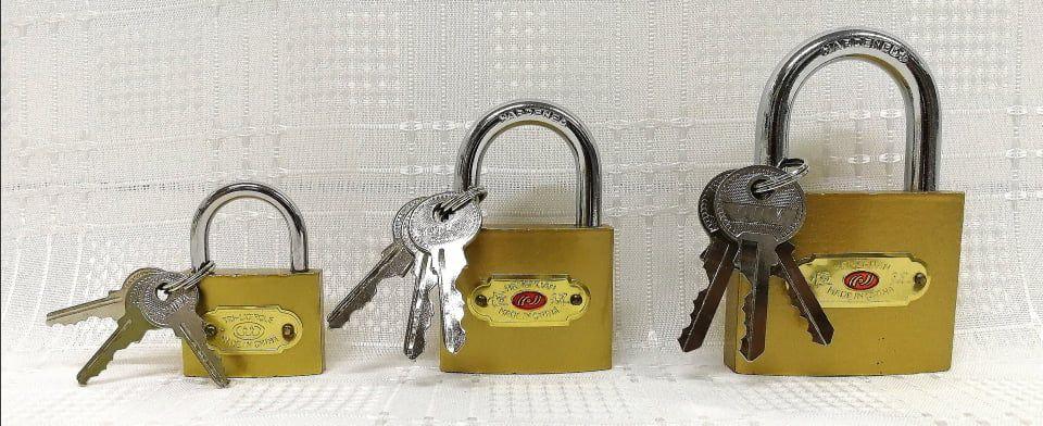 Biztonsági lakatok (3 kulcsos)  3 méretben